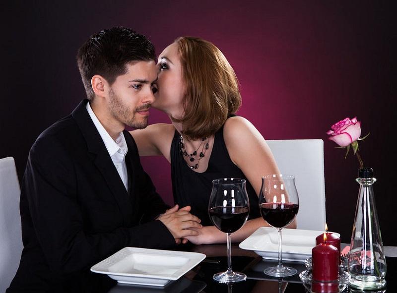 Как предложить мужчине секс, чтобы не выглядеть шлюхой