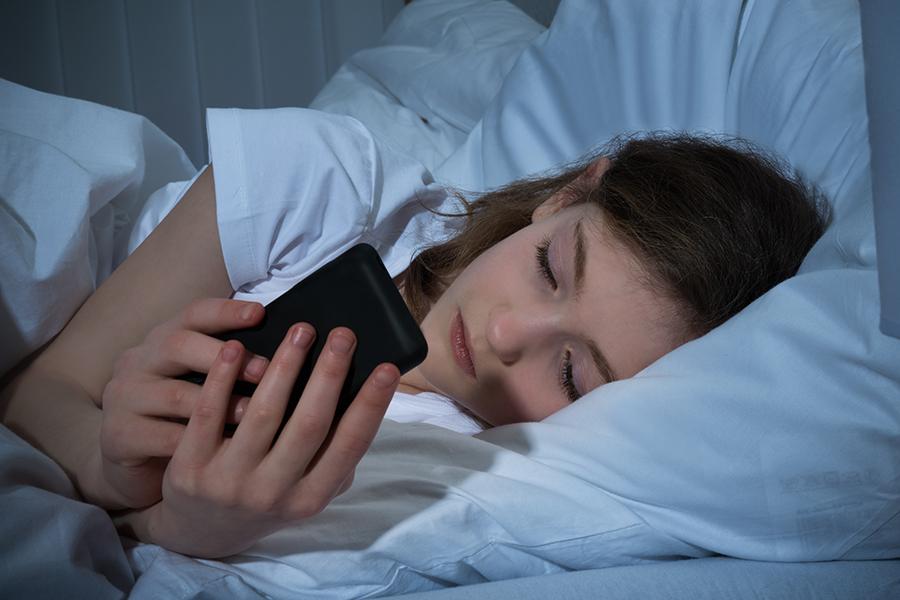 Как по СМС понять, что мужчина влюблен